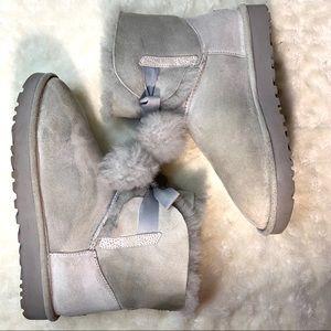 UGG Gita Pom Pom boots size 9 gray